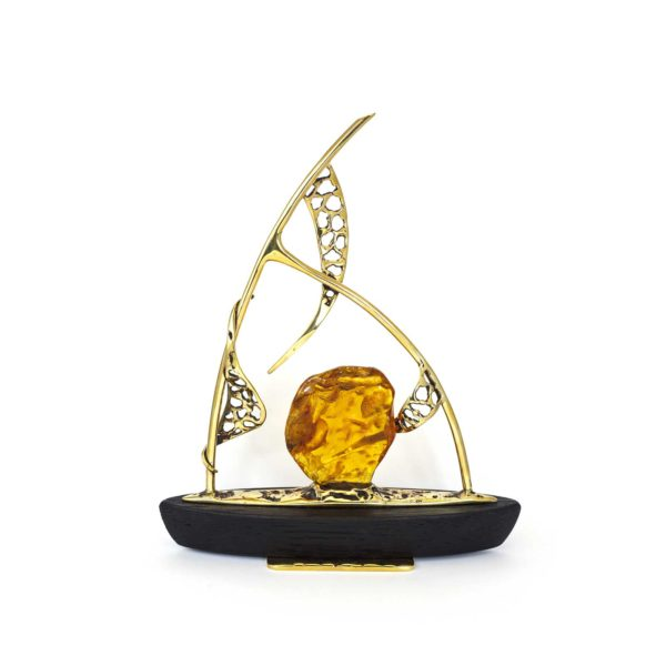 amber-figurine-the-boat-3-right-side