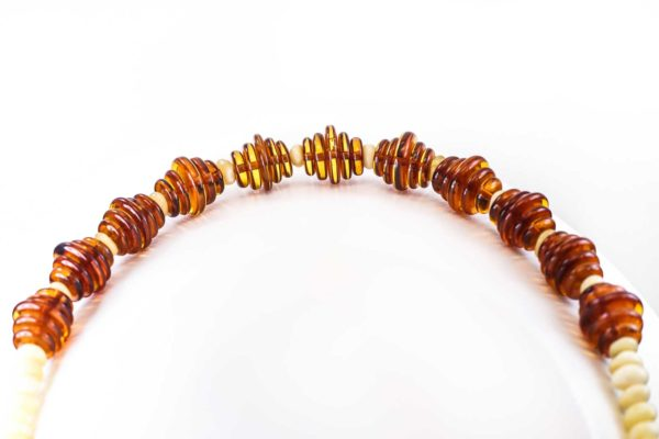 natural-baltic-amber-necklace-honey-composition-2
