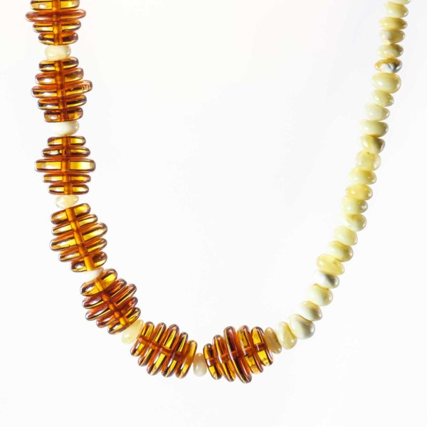 natural-baltic-amber-necklace-honey-composition-4