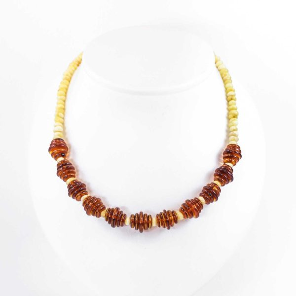 natural-baltic-amber-necklace-honey-composition