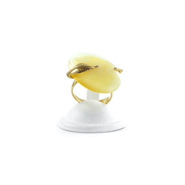 silver-ring-with-natural-baltic-amber-pieces