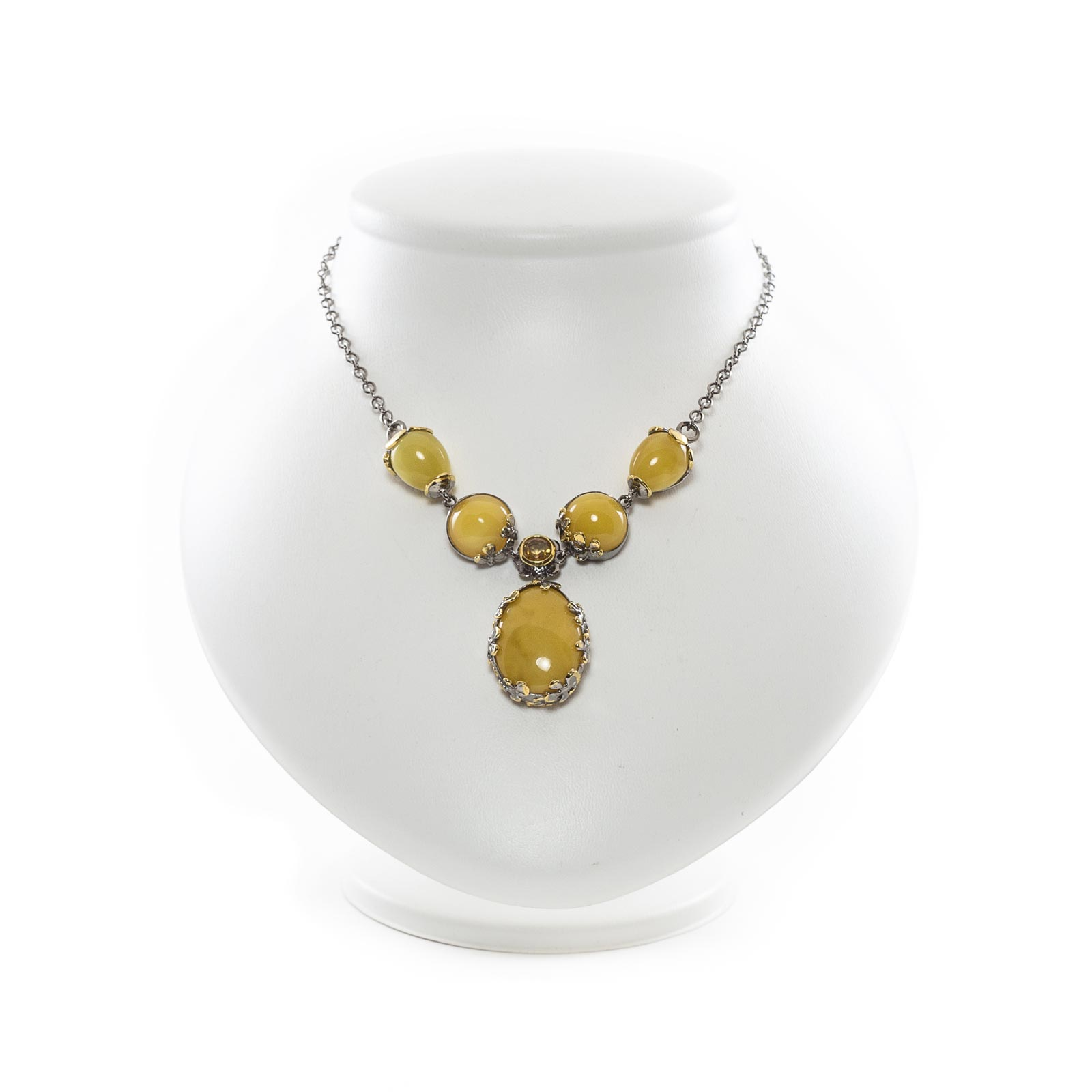 "Silver Necklace with Natural Baltic Amber ""Milfay"""